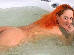 Natali in Wet Fun - Anilos