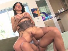 Evie Delatosso's huge natural tits bounces as she jumps on his rod