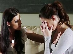 Slutty MILF India Summer seduces young babe Jenna J Ross